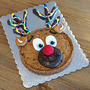 Reindeer Cookie Cake