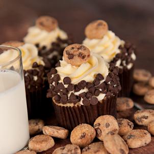 Cookies & Milk Gourmet Cupcake