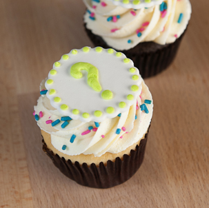Gender Reveal Cupcake with ? Topper