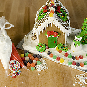 Sip & Decorate: Gingerbread Houses