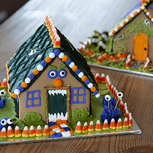 Haunted House Decorating- Oct 13th