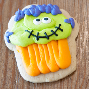 Halloween Cupcake Cut-Out Cookie