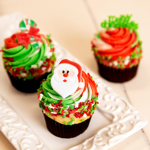 Christmas Swirl Decorated Cupcakes
