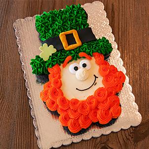 Decorating Class- Leprechaun Cupcake Cake