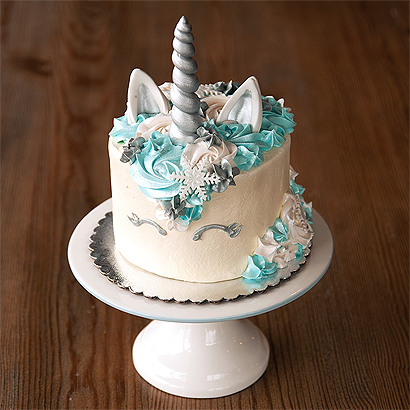 Decorating Class- Winter Unicorn Cake
